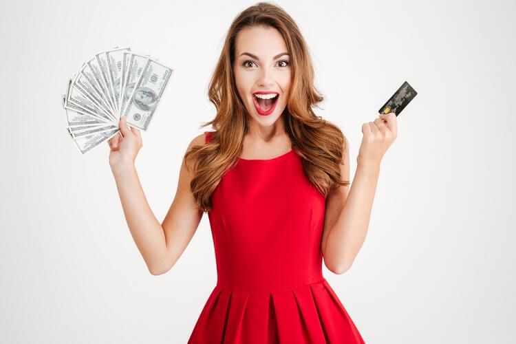 Thẻ tín dụng hoàn tiền và tích điểm luôn là lựa chọn hàng đầu khi mở thẻ