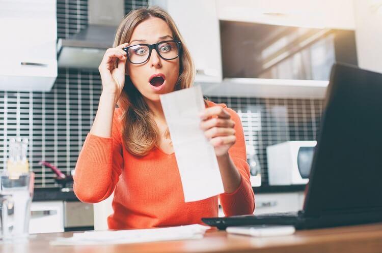Bạn có biết khi nào ngân hàng bắt đầu tính lãi suất thẻ tín dụng?
