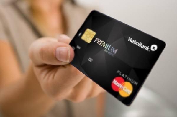 Có nên làm thẻ tín dụng Vietinbank không?