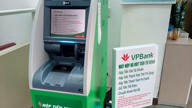 Máy nộp và rút tiền ở VPBank