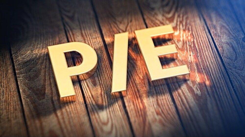 Chỉ số P/E là gì và cách tính như thế nào?