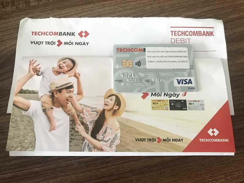 Techcombank gửi thẻ ATM về tận nhà miễn phí